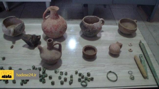 فرمانده انتظامی گلستان از کشف ۲۴۱ قطعه شی عتیقه با قدمت دو هزار سال در رامیان خبرداد.