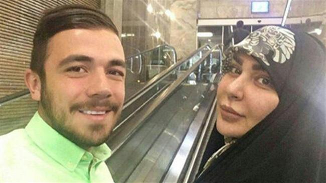هوتن، پسر امیر قلعه نویی برای اولین بار از تصویری از مادرش در شبکه های اجتماعی منتشر کرد.