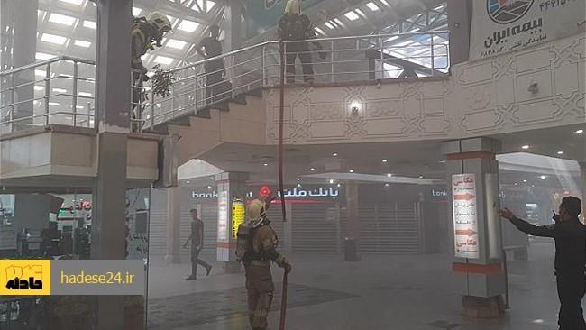 مجتمع تجاری پردیس ۱ در جزیره کیش دچار آتش سوزی شد.